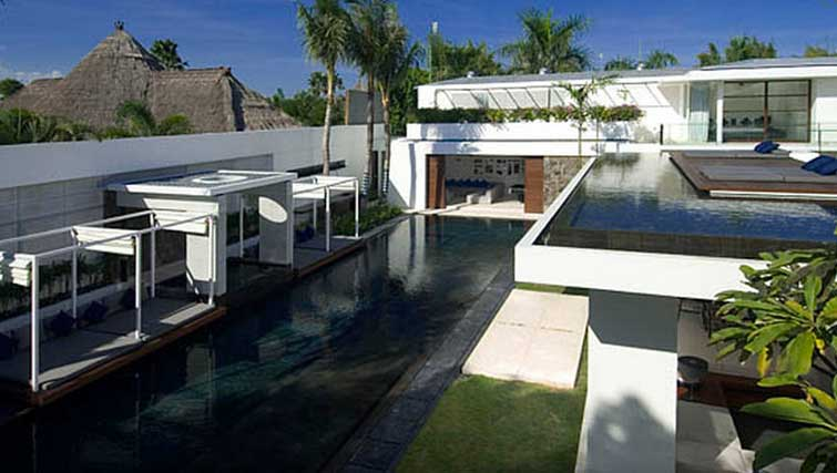 Villa Aquak, luxury 4 bedroom villa Seminyak